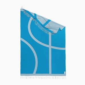 Chal de viaje con forma orgánica azul colección Light Companion de Catharina Mende