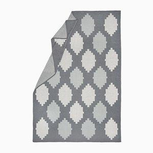 Helle Spotted & Beyond Decke mit Kiesel-Muster von Catharina Mende
