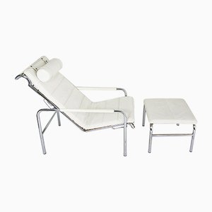 Poltrona Genni reclinabile con poggiapiedi di Gabriele Mucchi per Zanotta