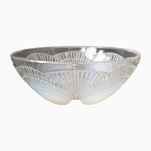 Vintage Model No. 3200 Coquilles Bowl by René Lalique