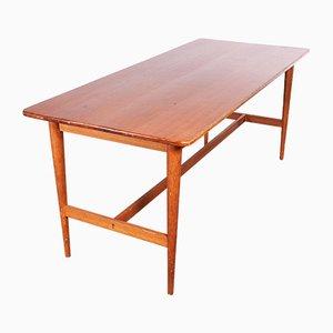 Eleganter Esstisch mit gedrechselten Beinen, 1950er