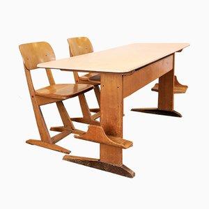 Escritorio infantil con sillas de Casala, años 60