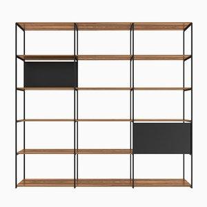 903 Regalsystem aus gemustertem Eukalyptus & strukturiertem mattschwarzem Metall von Modiste Furniture