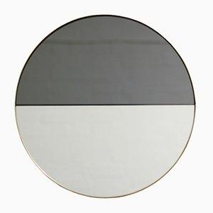 Kleiner runder getönter Dualis Orbis Spiegel im Messingrahmen von Alguacil & Perkoff Ltd