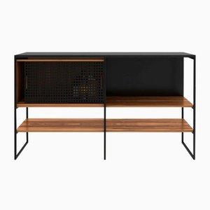 602 Anrichte mit mattschwarzem Rahmen aus geformtem roten Gummi & geflammten Granit von Modiste Furniture