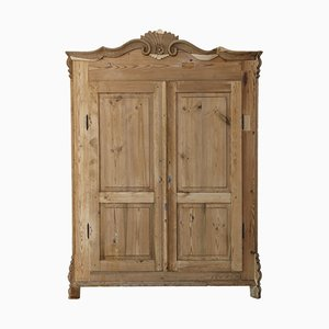 Antiker Kleiderschrank aus Tannenholz