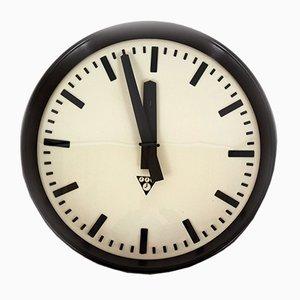 Horloge de Gare en Bakélite de Pragotron, 1950s