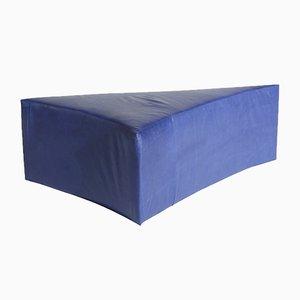 Gefüllter dreieckiger Fußhocker aus königsblauem Leder von Noah Spencer für Fort Makers
