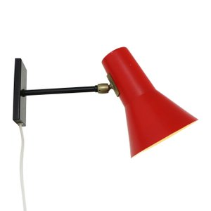 Lampada da parete rossa e nera di J.J.M. Hoogervorst per Anvia, anni '50