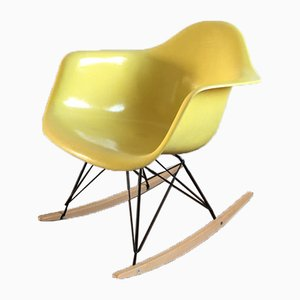 Rocking Chair RAR par Charles & Ray Eames pour Zenith Plastics, 1955