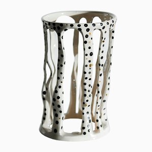 Soporte para plantas Delicate Goldie de Johanna Nestor para Nestor Designs