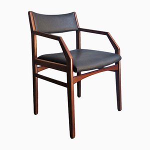 Armlehnstuhl aus Holz & schwarzem Kunstleder, 1960er