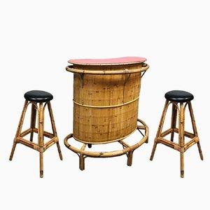 Mueble bar Tiki vintage de bambú y ratán con 2 taburetes