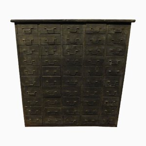 Antike Kommode mit kleinen Schubladen