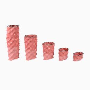 Porcellane Ø Wave rosso corallo e argentate di Mari JJ Design