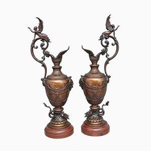 Aguamaniles de bronce y mármol del siglo XIX, década de 1880. Juego de 2