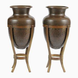 Antike Jugendstil Vasen aus Messing auf Gestellen, 1900er, 2er Set