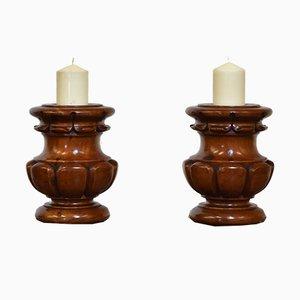 Antike Kerzenständer aus gedrehtem & geschnitztem Holz, 2er Set