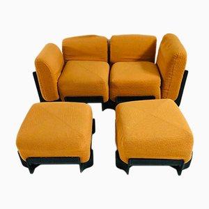 Italienisches Mid-Century Sofa und Fußhocker, 1970er, 3er Set