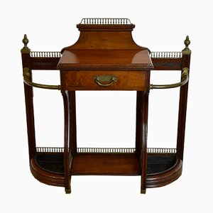 Mueble de recibidor inglés victoriano de nogal y latón de James Shoolbred & Co., 1883