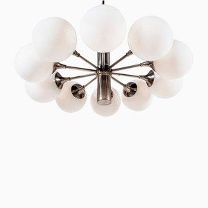 Lámpara de araña italiana de metal cromado y vidrio lechoso de Gaetano Sciolari, años 60