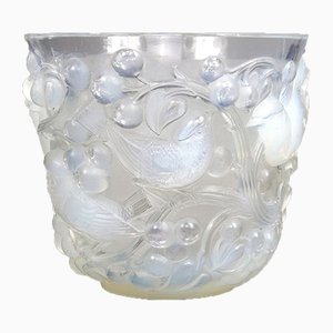 Avallon Vase aus Opalglas von René Lalique, 1927