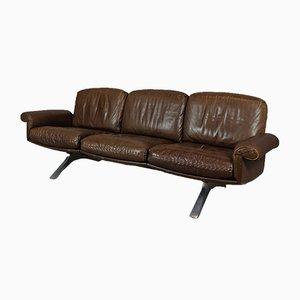 Sofá de tres plazas DS31 de cuero marrón de de Sede, años 70