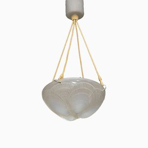 Plafonnier Shell en Verre Opalescent par Rene Lalique, 1921