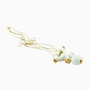 Weiß und Gold-Sucker Halsketten-Anhänger von Maria Juchnowska 2016