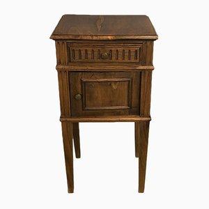 Antiker Nachttisch aus Kastanie