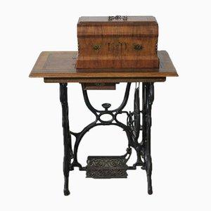 Mesa de trabajo modernista con máquina de coser de Haid & Neu, 1900s