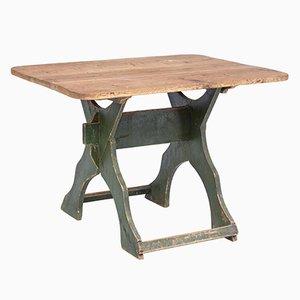 Tavolo antico verniciato in pino su cavalletto, Svezia
