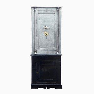 Antiker Safe aus poliertem Stahl