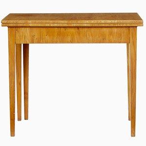 Antiker schwedischer Spieltisch aus Ulmenholz