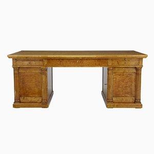 Großer schwedischer Schreibtisch aus Birke, 19. Jh.