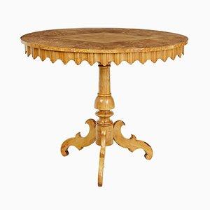 Tavolino di servizio ovale antico in betulla intarsiata, Svezia