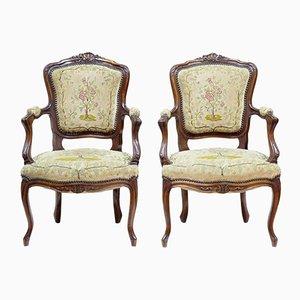 Antike französische Armlehnstühle aus Nussholz, 2er Set