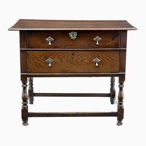 Tavolino in quercia con due cassetti, XVIII secolo