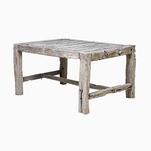 Rustikaler französischer Tisch aus Nussholz, 19. Jh.