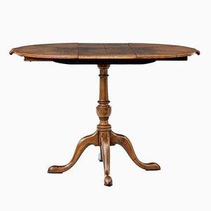 Kleiner ausziehbarer Tisch aus Nussholz, 1920er