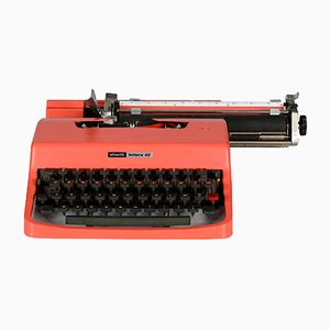 Model Lettera 32 Typewriter from Olivetti, 1970s