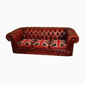 Red Leather 3 Seater Chesterfield Sofa with Union Flag Cushions, 1960s
