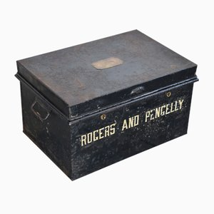 Caja británica antigua de acero negro de Jones Brothers & Co., década de 1800