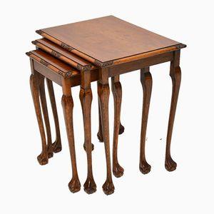 Mesas nido vintage de nogal con figuras