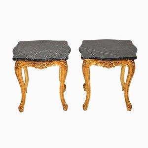 Mesas auxiliares franceses vintage de madera dorada con superficie de mármol. Juego de 2