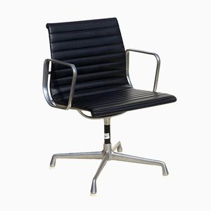 Chaise EA en Cuir par Charles & Ray Eames by Herman Miller, 1960s