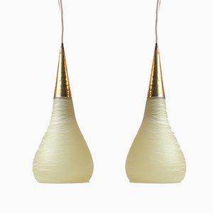 Lámparas colgantes italianas vintage de vidrio y latón, años 70. Juego de 2