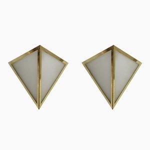 Apliques triangulares de latón y vidrio opalino de Glashütte Limburg, años 70. Juego de 2