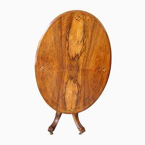 Ovaler antiker Tisch aus Nussholz & Eiche mit Intarsien
