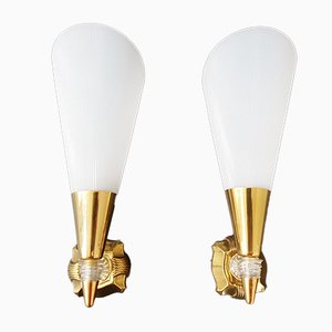 Lámparas de pared vintage de plexiglás y latón. Juego de 2